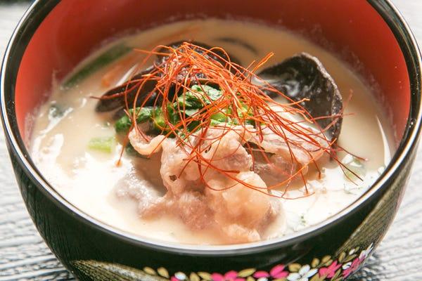白川郷に行ったなら 日本一の鍋 すったて鍋 を食べるべし 鍋食い隊