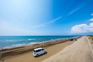 【日本唯一】千里浜なぎさドライブウェイで砂浜を爽快ドライブ!