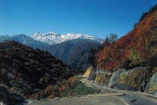 石川と岐阜を結ぶ「白山白川郷ホワイトロード」で大自然の絶景を満喫する爽快ドライブ!