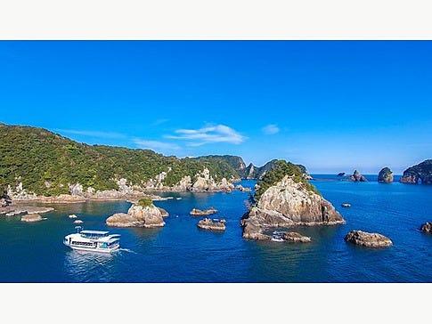 紀の松島には、なんと大小130余りの島々があるんです!