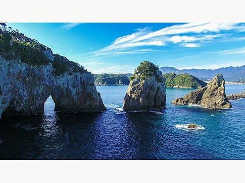 これぞ大自然が創造した海岸美!さまざまな形の奇礁奇岩は迫力満点◎