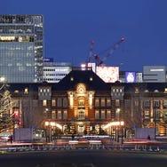 在東京車站親近藝術與建築