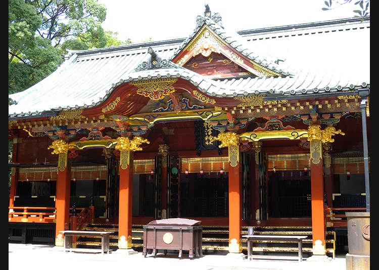 7: ศาลเจ้าเนะซุ (Nezu-jinja)
