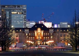 Menikmati Bangunan dan Seni di Stasiun Tokyo