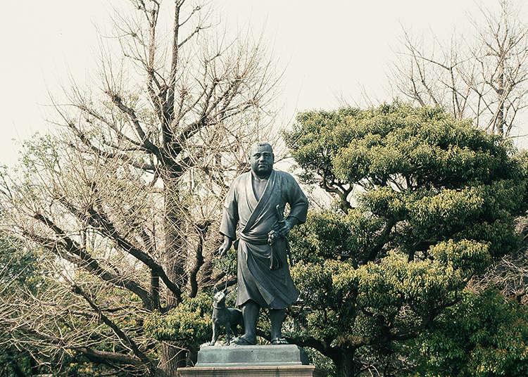 那个人物铜像很有名吗?
