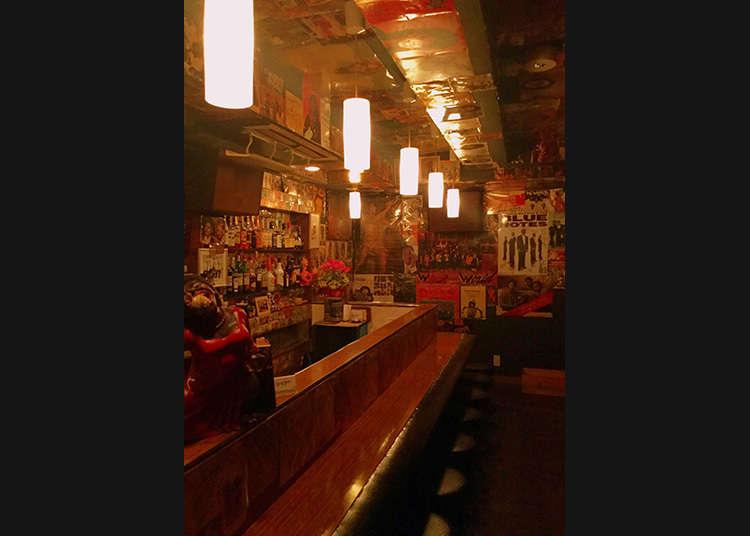 在傳說中的靈魂酒吧充分享受成人的夜生活