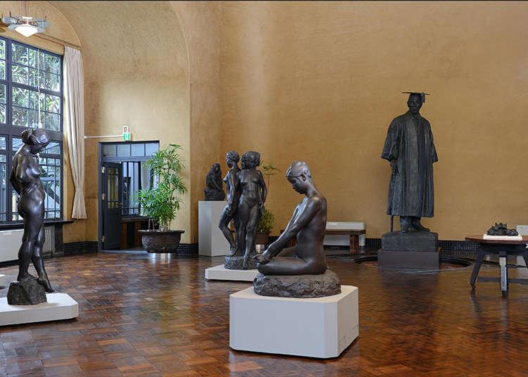 在著名雕刻家的私宅美术馆鉴赏艺术