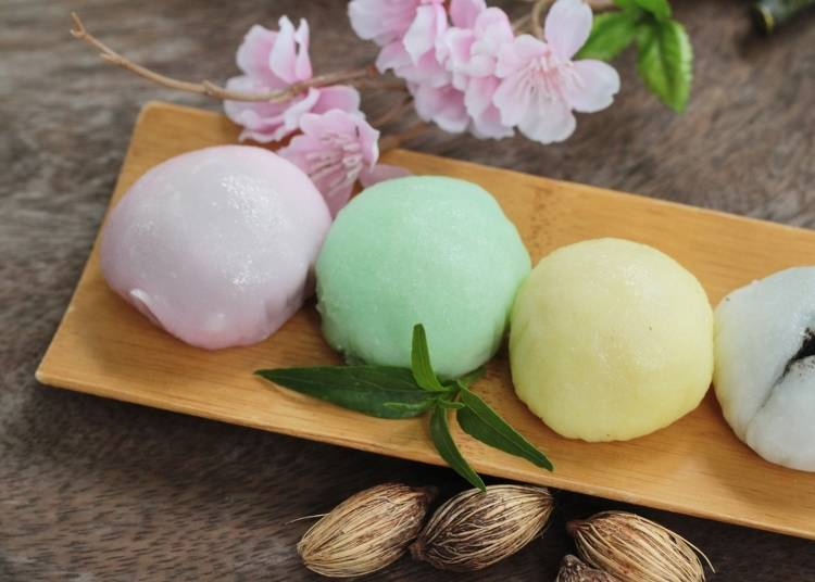 Traditional Japanese Sweets: Tasting the Beauty of Japan