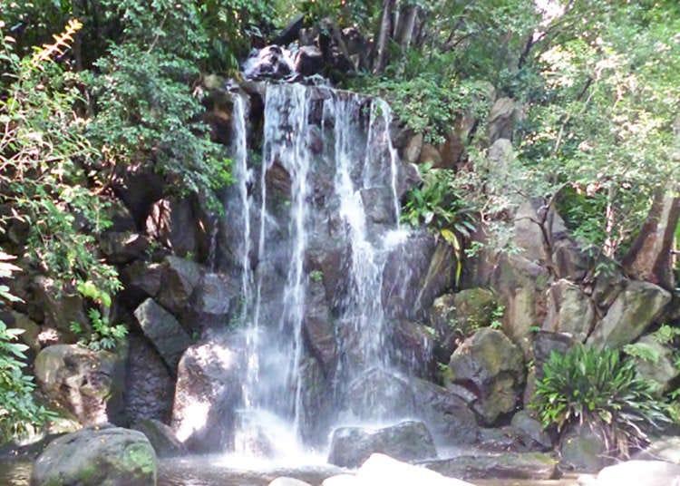 Air terjun di dalam taman? Oasis yang menenangkan fikiran, masuk percuma dan berdekatan dengan stesen kereta api.