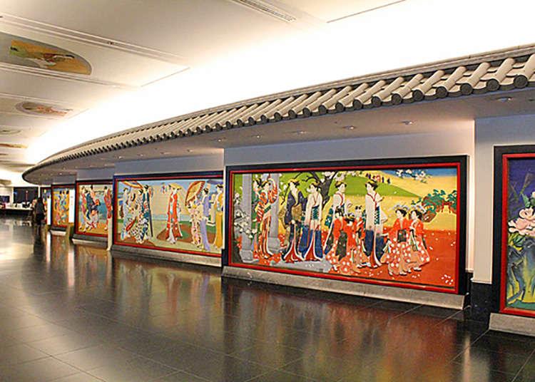 长廊的彩色雕花木板