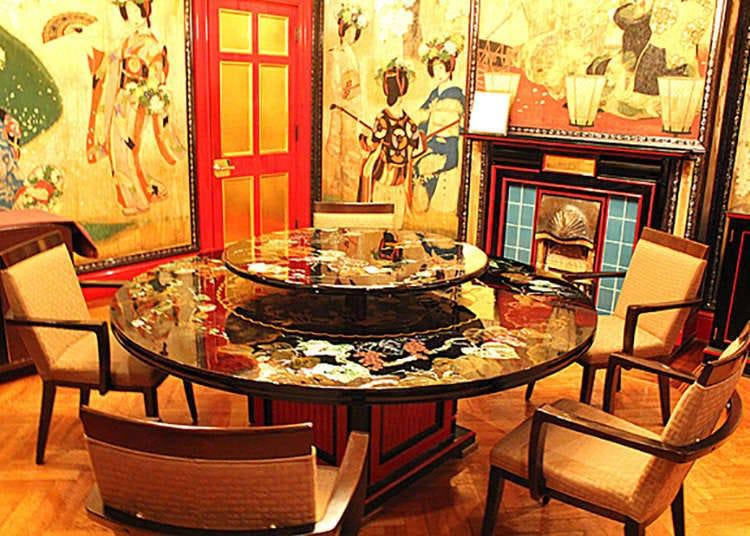 豔麗的旋轉圓桌