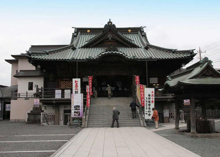 Tempat suci (untuk agama Shinto) dan kuil (untuk agama Buddha) yang banyak di Kawagoe.