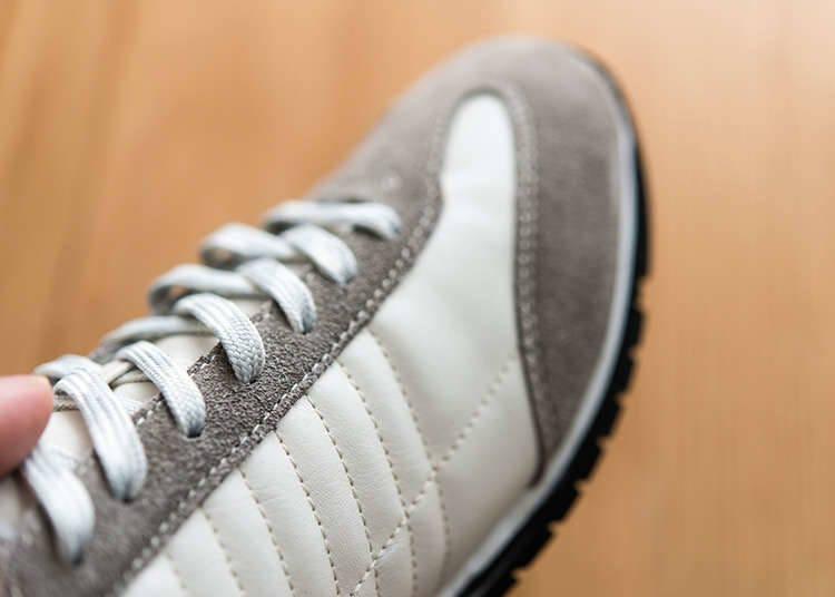 รองเท้าที่ถอดใส่ได้ง่าย