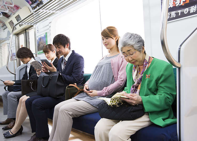 電車など公共交通機関で気をつけるべきマナー - LIVE JAPAN (日本の ...
