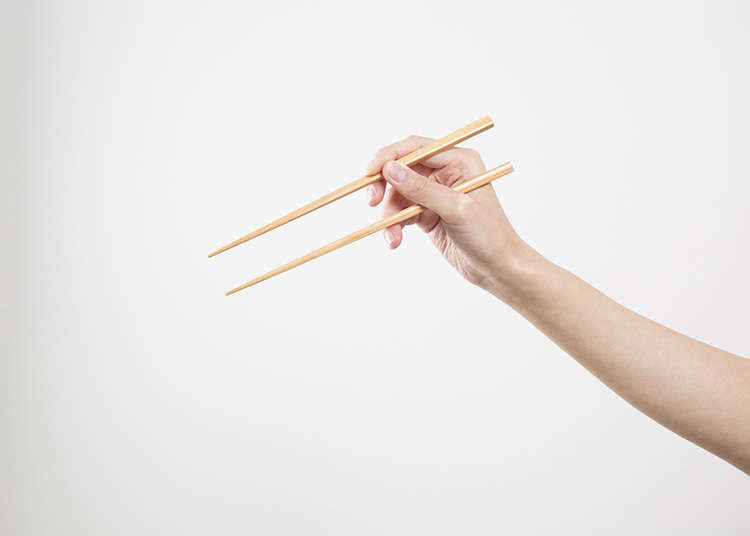 How to use chopsticks in Japan!