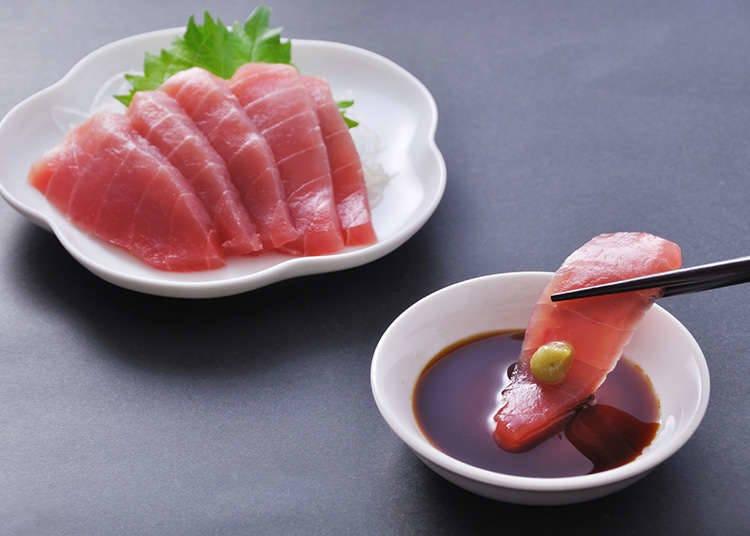Hirisan ikan mentah dan bahan lainnya