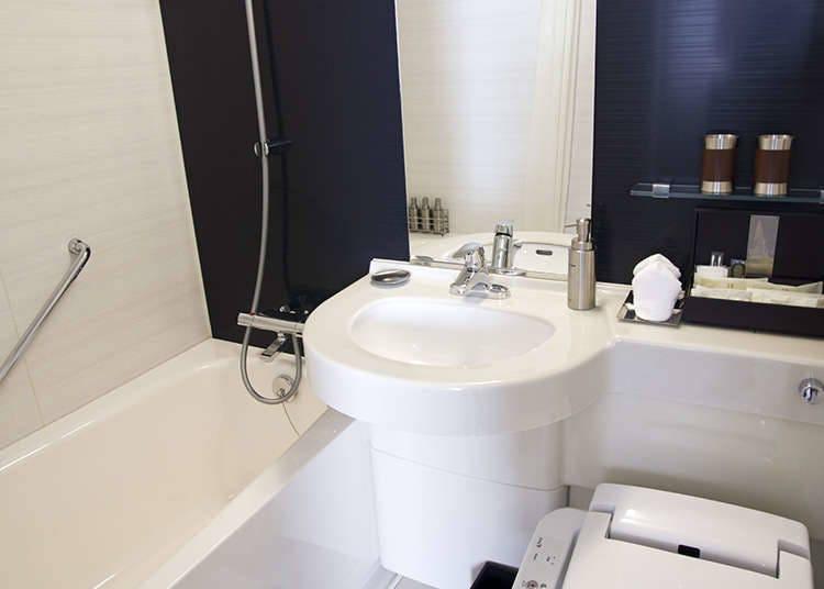 一般飯店一體成型的衛浴設備