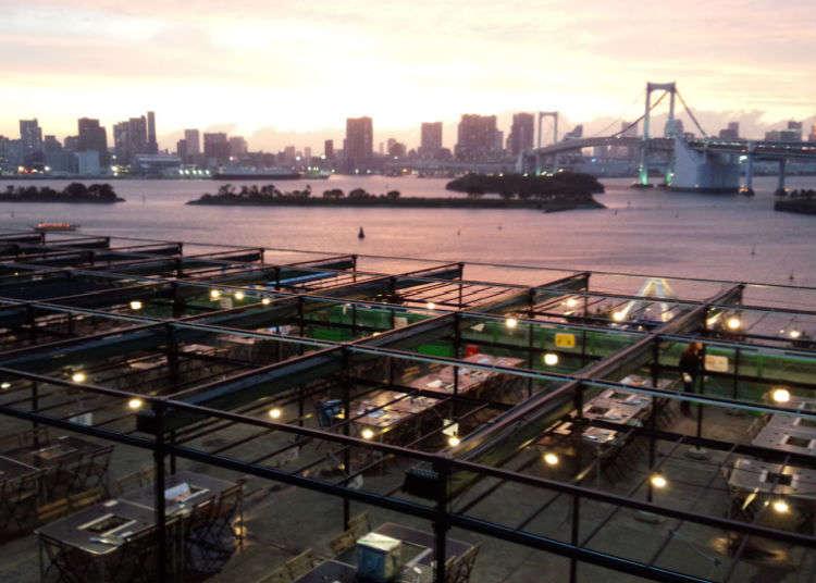"""BBQ di """"Decks Tokyo Beach"""""""