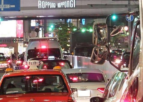 Tempat di Roppongi yang boleh anda nikmati walaupun selepas pukul 9 malam!