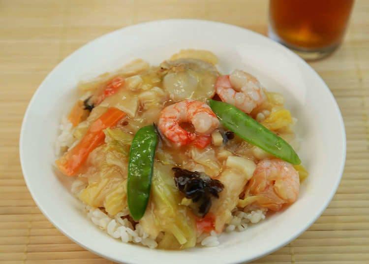 家庭餐桌上的炒饭、米饭类食品