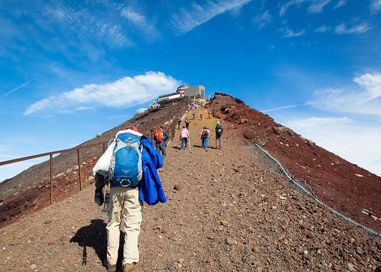 What To Do At The Top Of Mt Fuji 5 Awesome Things You Wouldn T Expect Live Japan Travel Guide