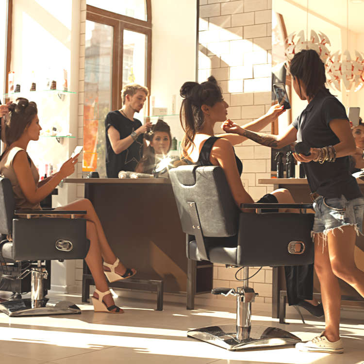 9 Stylish English-Speaking Hair Salons in Tokyo