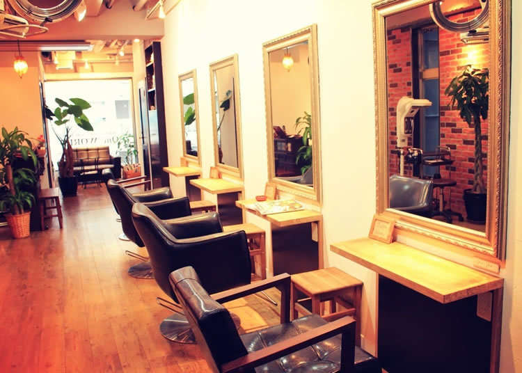 7. One WORLD: Is This a Café or a Hair Salon?