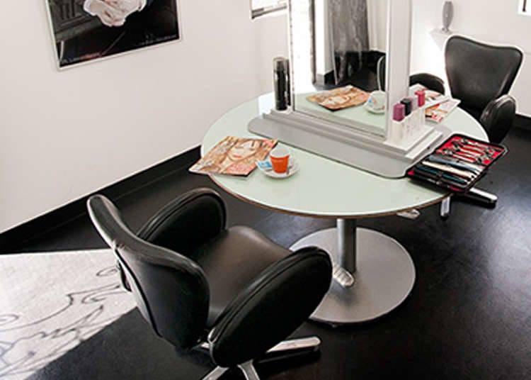 Salon yang Diakui oleh Seniman Mancanegara