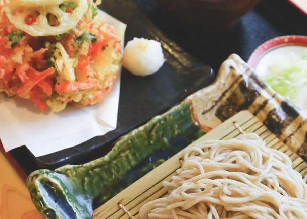"Delicious ""Kakiage"" at a Established Soba Shop"