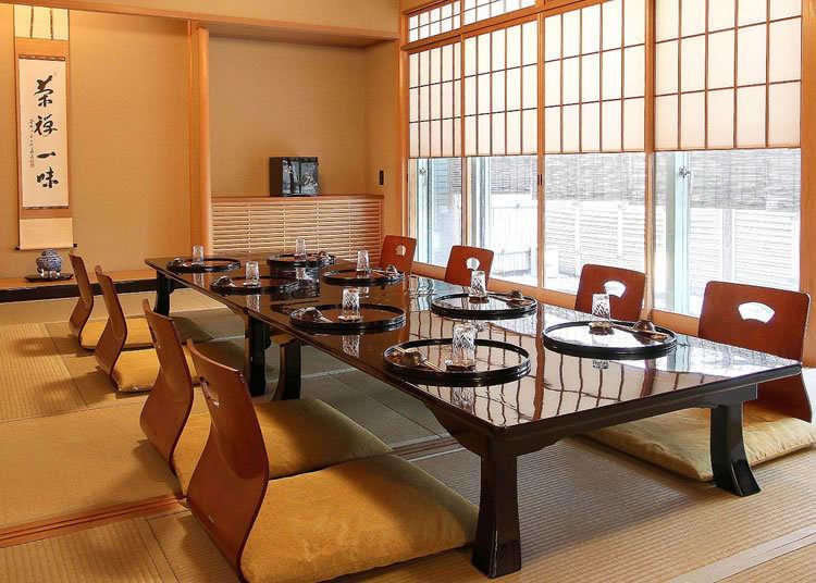 เพลิดเพลินกับอาหารไคเซกิ ในห้องซาชิกิของร้านเก่าเเก่
