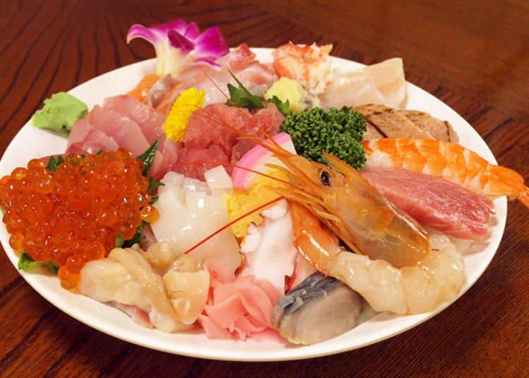 Kaisendon mewah yang dihiasi dengan Nigiri Sushi