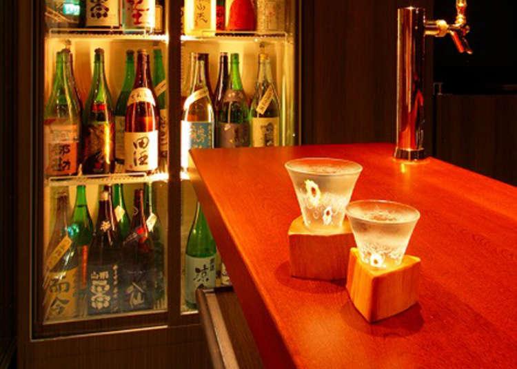 全国の日本酒を立ち飲みで味わう