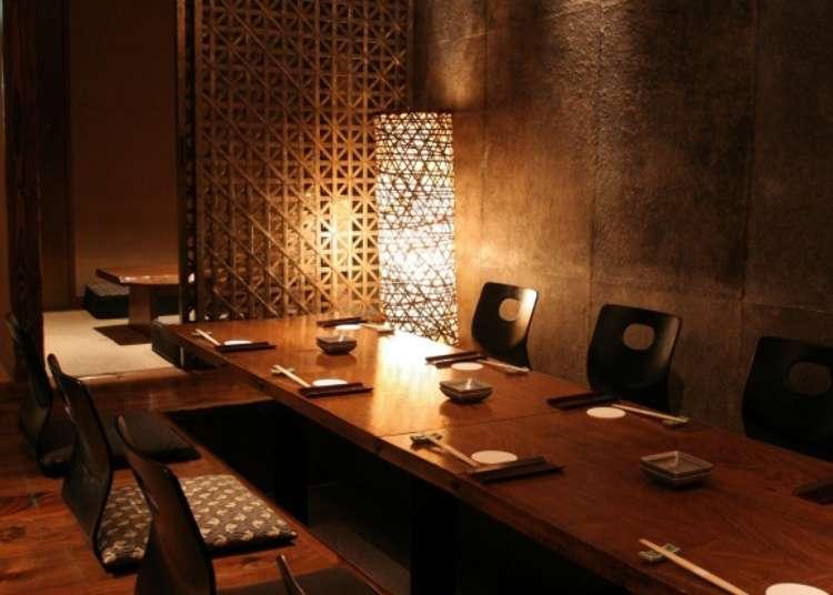 高級感溢れる雰囲気の中で日本酒を堪能