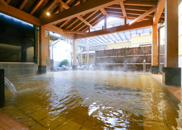 天然温泉で全身デトックス