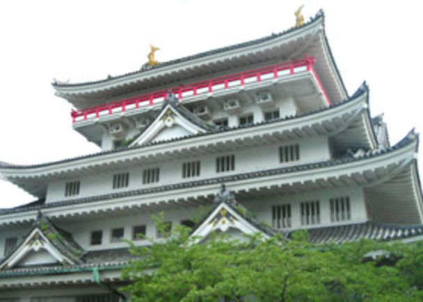 Atami Castle: An observatory commanding a view of the whole area!