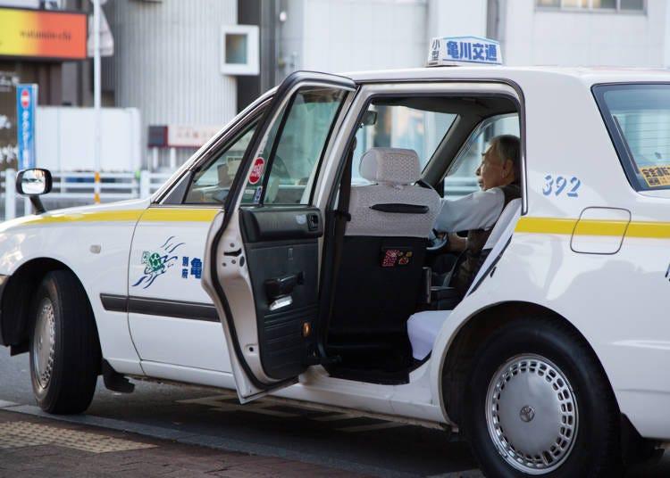タクシーが自動で開く!?魔法のドア!