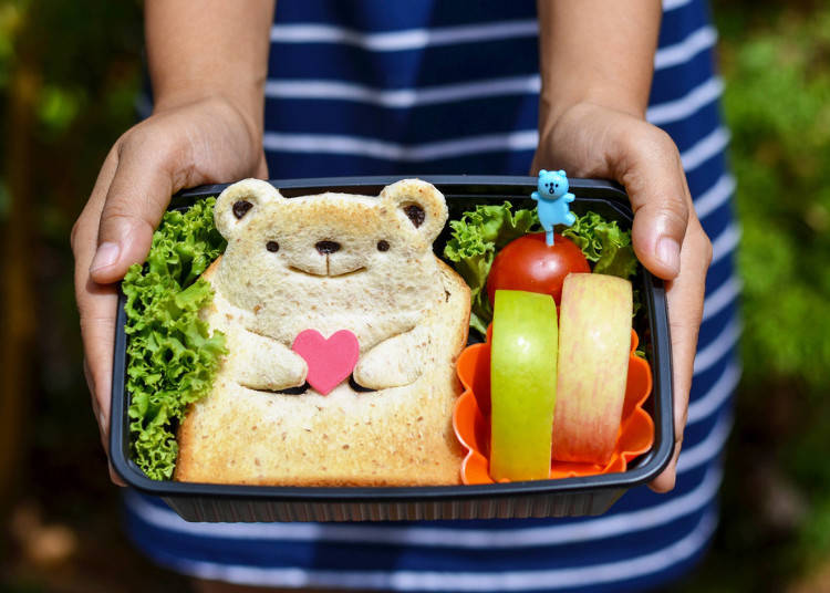 What to Bring to a Hanami Party