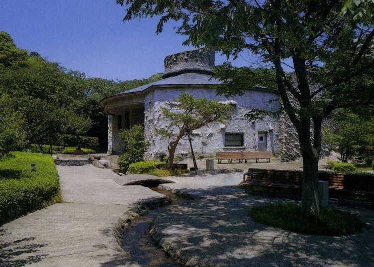 색채가 행복을 부르는 '사와다 세이코 기념 미술관'