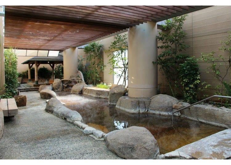 走进都内最大规模的温泉设施!
