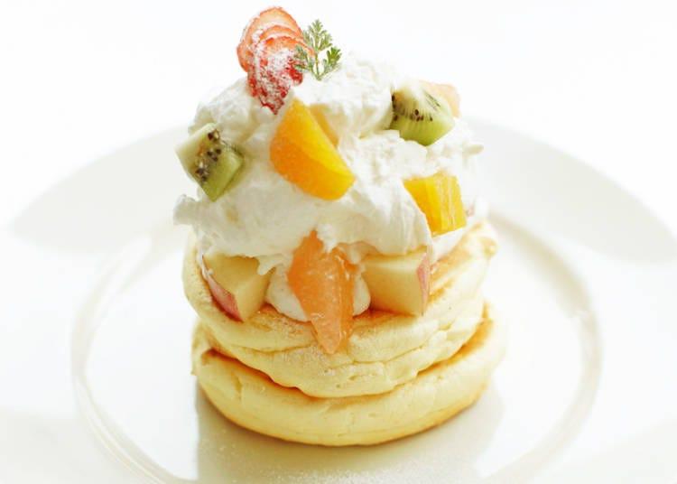 搭配新鲜时令水果的绝品松饼