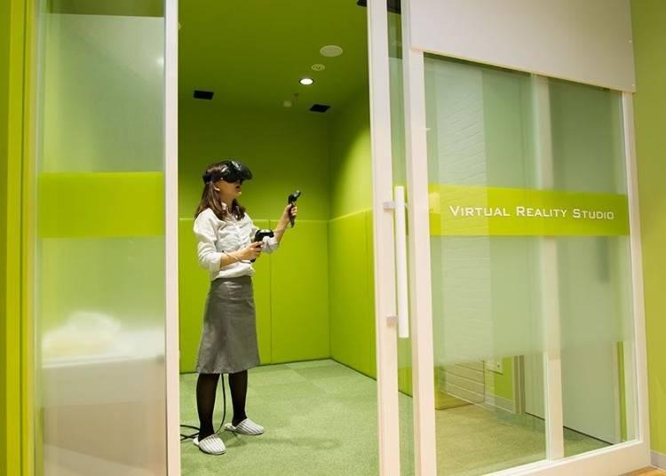 在网吧包间的VR体验!