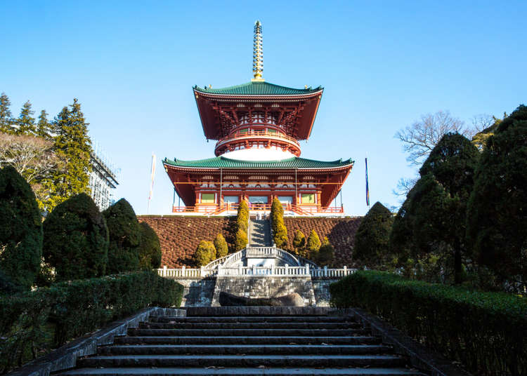 通过Narita Transit Program在成田山新胜寺体验抄写佛经