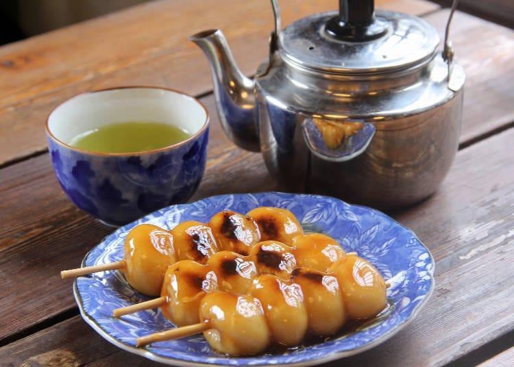 用杵臼捣制的麻糬团子最好吃!在「后藤团子店」来串团子、休息片刻♪