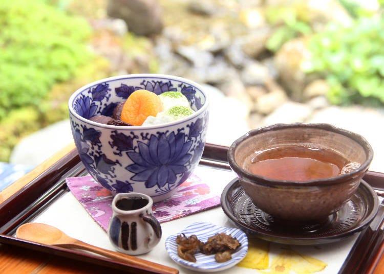 在日本庭院享受喝茶樂趣佐和風甜點「三芳家」