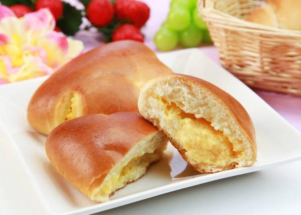 こっくりした甘みで「クリームパン」も人気高し
