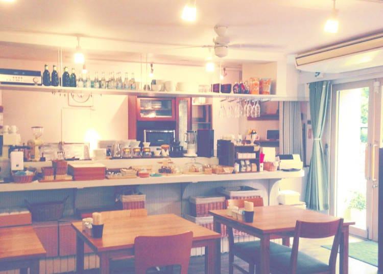 「淺草裡」的咖啡店④:午餐套餐好評如潮的咖啡店「cafe michikusa」