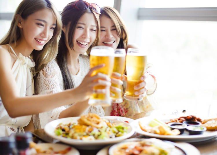 二、不管是食物或饮料,会等大家的菜都上好了才开动