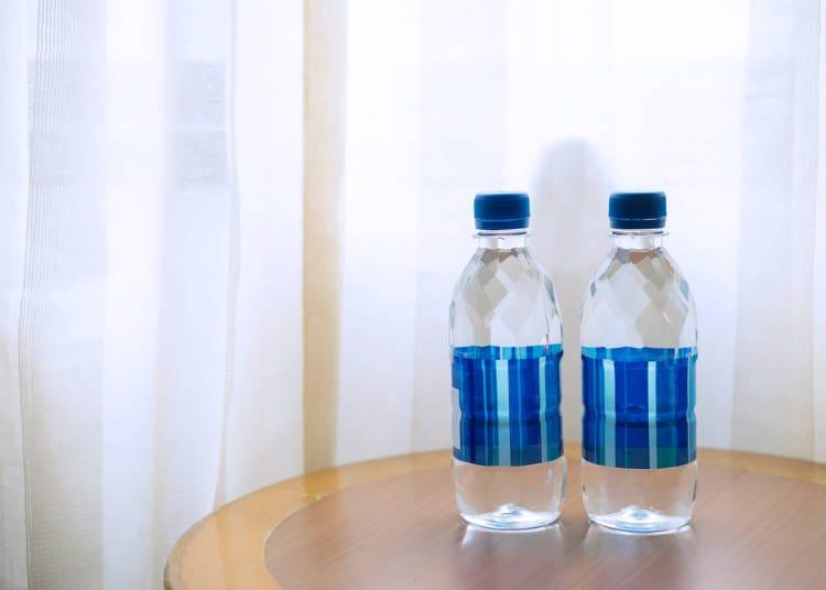 7)飯店或日式旅館裡有提供水嗎?