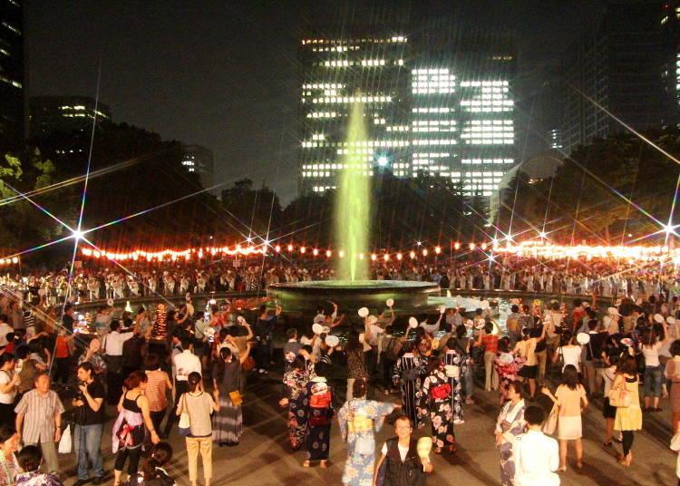 도쿄의 히비야공원 마루노우치 온도다이 본오도리(봉오도리) 대회 / 日比谷公園丸の内音頭大盆踊り大会