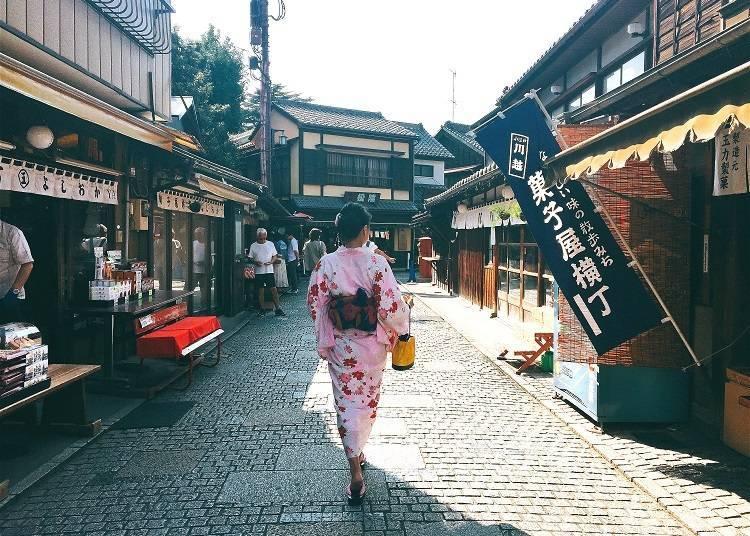 Savoring Nostalgic Sweets at Kashiya Yokocho